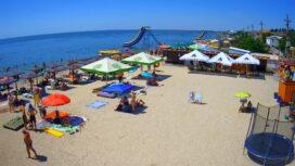 Лиски — пляж и море с кафе «Хуторок»