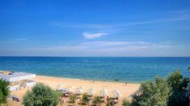 Пляж базы отдыха «Лоцман» на Ближней косе