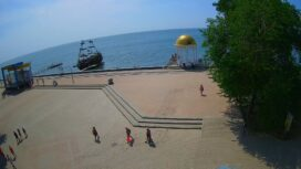 Ротонда и сцена на Приморской площади